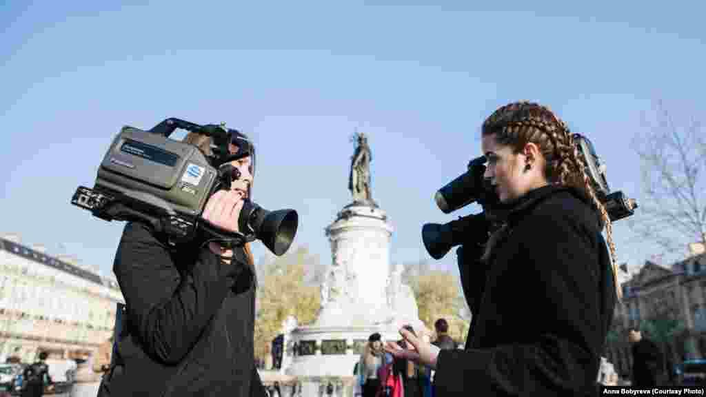 Акция«Missing Director» в поддержку осужденного в России украинского режиссера Олега Сенцова и других заложников Кремля на площади Республики в Киеве