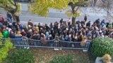 Alegători la consulatul de la Frankfurt