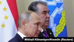 Эмомалӣ Раҳмон ва Владимир Путин. Акс аз бойгонӣ