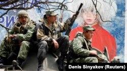 Ресейлік әскерилер Оңтүстік Осетияның әкімшілік орталығы Цхинвали қаласында. 9 тамыз 2008 жыл.