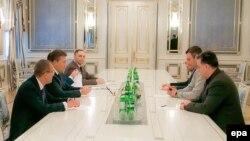 Переговори в адміністрації президента, 22 січня 2014 року