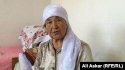 Гулара Жексенкызы, мать арестованного в Актобе Рустама Гацаева. Актюбинская область, 20 июля 2016 года.