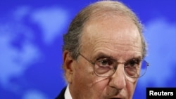 U.S. Special Envoy for Middle East Peace Talks and former Senator George Mitchell (file photo)