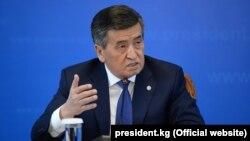 Президент Сооронбай Жээнбеков на итоговой пресс-конференции. Бишкек, 25 декабря 2019 года.