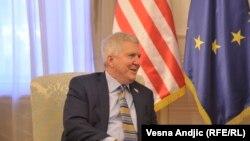 Ambasadori amerikan në Serbi Kyle Scott