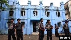 Пожар во џамија во Јангун, 02.04.2013