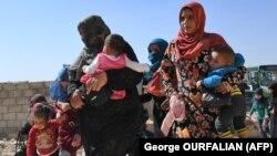 Disa familje siriane në provinc Idlib.