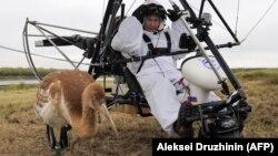 V.Putin ultrayüngül təyyarə ilə durnalarla uçuşa hazırlaşır. 2012