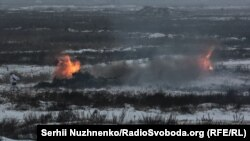 Штаб операції Об'єднаних сил підтверджує також оприлюднену ввечері 14 грудня інформацію про легке поранення одного українського військового