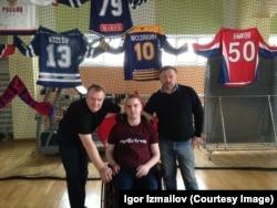 На реабилитацию Дмитрия Измайлова (в инвалидной коляске) могут уйти годы