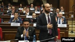 Armenia - Newly elected speaker Ararat Mirzoyan is congratulated by parliament deputies, Yerevan, January 14, 2019.