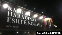 """""""Ramuš Haradinaj je Kosovo"""" na bilbordu u centru Prištine"""