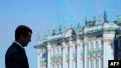 Дмитрий Медведев решил не отклоняться от главной темы и в очередной раз подверг критике США