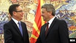 Средба на претседателот Ѓорѓе Иванов со американскиот амбасадор Џес Бејли во 2015 година.