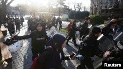Թուրքիա - Պայթյունից հետո մեծ թվով ոստիկաններ ժամանում են դեպքի վայր, 12-ը հունվարի, 2016թ․