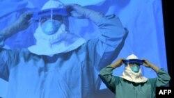 Həkimlərə «Ebola» virusuna qarşı təlimlər keçirilir