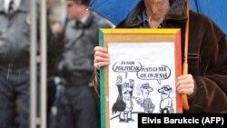 Djedović: Političari su manipulativni (Fotografija sa antivladinih protesta u BiH 2014)