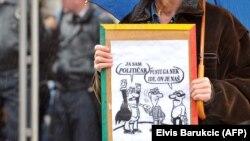 Građani su protestima pokazali da žele promjene, kaže Balunović (Fotografija sa jednog od protesta u BiH)