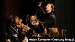 Теодор Курентзис с оркестром musicAeterna