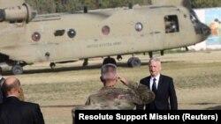Foto nga arkivi- Sekretari amerikan i mbrojtjes, James Mattis në Kabul.