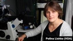 Поліна Лішко працює у власній лабораторії у США
