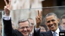 Президент Польши Бронислав Коморовский (слева) и президент США Барак Обама.