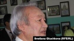 Максут Нарикбаев в бытность председателем партии «Адилет». Астана, 3 декабря 2011 года.
