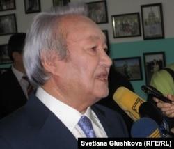 Председатель партии «Адилет» Максут Нарикбаев. Астана, 3 декабря 2011 года.