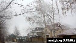 Бишкектеги Ата Түрк паркына курулган үйлөр.