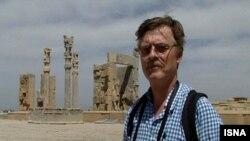 رمی بوشارلا بارها به ایران سفر کرده است.