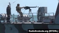 Военно-морской катер в Азовском море недалеко от Бердянска