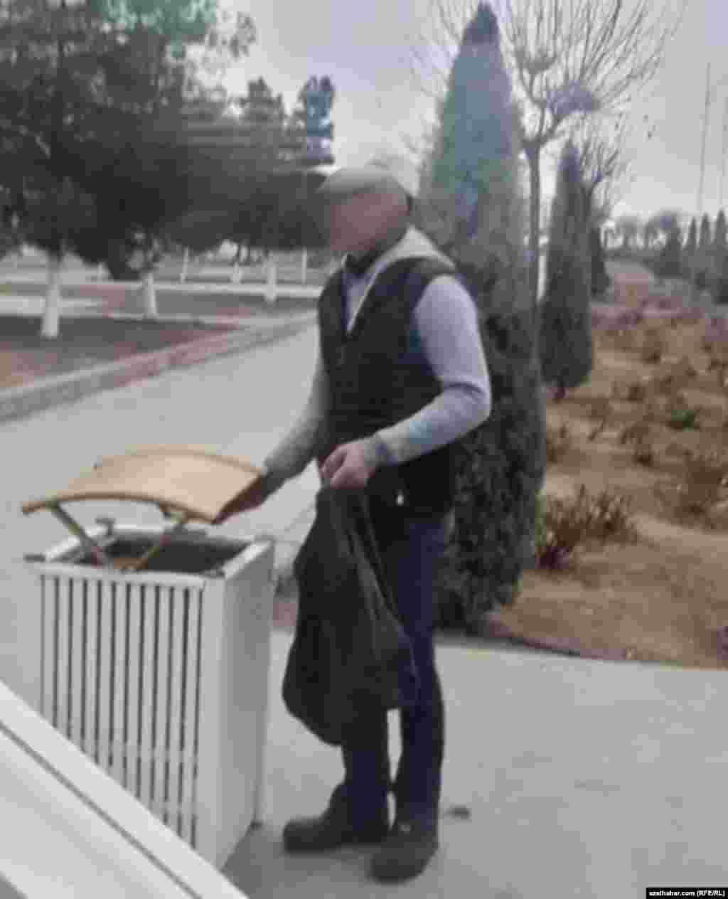 Мусорный ящик в Ашхабадском парке, январь, 2020
