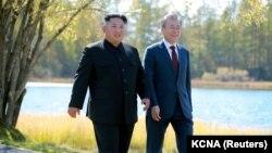 Președinții celor două state coreene, Moon Jae-in și Kim Jong Un, 21 septembrie 2018.