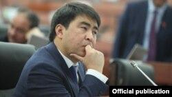 Депутат ЖК Жанар Акаев.