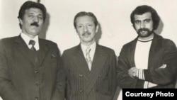 شاپور بختیار (نفر وسط) همراه با دو تن از اعضای نهضت مقاومت ملی در پاریس.