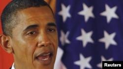 India -- US President Barack Obama speaks a news conference in New Delhi, 08Nov2010