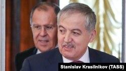 Глава МИД Таджикистана Сироджиддин Мухриддин и глава МИД РФ Сергей Лавров, Москва, 9 апреля 2018 года