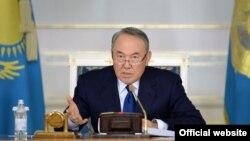 Президент Казахстана Нурсултан Назарбаев на расширенном заседании правительства. Астана, 18 ноября 2015 года.