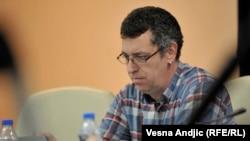 U medijskoj realnosti Srbije neravnopravnost zastupljenosti raznih političkih opcija zastrašujuće velika: Branko Čečen