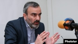 Armenia -- A leader of the New Armenia Public Salvation Front, Zhirayr Sefilyan, at a news conference, 17 Mar2016