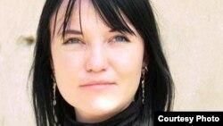 Мустақил журналист Елена Бондар.