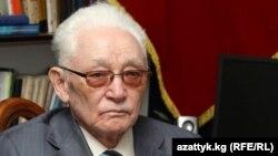 Кыргыз эл жазуучусу Төлөгөн Касымбеков