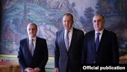 Зограб Мнацаканян, Сергей Лавров и Эльмар Мамедъяров. Москва, 15 апреля 2019 года.