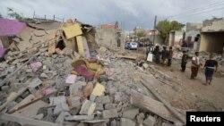 Եմեն - Սաուդյան Արաբիայի գլխավորած կոալիցիայի օդային հարվածի հետևանքով ավերված շենք Հուդիեդա քաղաքում, դեկտեմբեր, 2015թ․