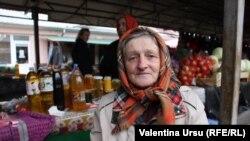 """Moldovenii noștri îs bolnavi, îs muncitori și tare-s bolnavi."""