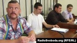 Сергій Бойко (центр) Ярослав Лисенко (другий праворуч), Віталій Грузинов (ліворуч)