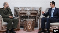 احمد وحیدی، وزیر دفاع ایران در دیدار با بشار اسد، رئیس جمهوری سوریه؛ زمستان ۲۰۰۹