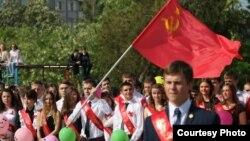 Последний звонок в школе Симферополя, 22 мая 2015 года