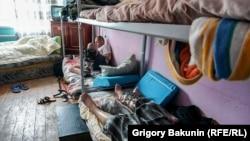 Неофициальный реабилитационный центр в Азове