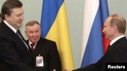 Во время встречи Виктора Януковича с Владимиром Путиным российский премьер призвал Украину присоединиться к Таможенному союзу России, Белоруссии и Казахстана